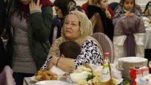 Более 70 многодетных женщин из малоимущих семей приняли участие в мероприятии, приуроченном к Международному Дню матери.