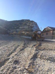 Масштабная работа по ремонту внутрисельских дорог идет в селе Маали Гергебильского района.