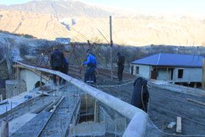 Ход строительства моста в селе Кикуни проинспектировал Магомедбашир Тагиров.