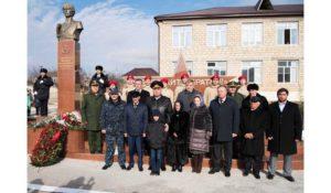 В Сергокалинском районе торжественно открыт памятник Герою России Магомеду Нурбагандову