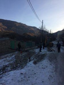 В селе Маали Гергебильского района продолжаются работы по внутренней разводке газопроводных труб.