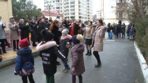В Каспийске торжественно открыли три дворовые территории и одну общественную зону!