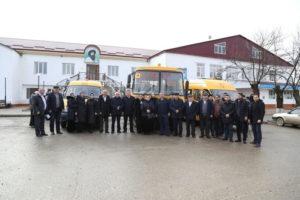 С нового года казбековские школьники будут ездить в школу на новых автобусах