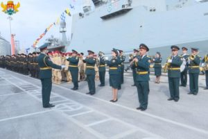 Военнослужащих 106-й бригады надводных кораблей Каспийской флотилии поздравили с Днем защитника Отечества