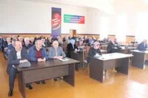 Вопросы профилактики и контроля за распространением короновирусной инфекции рассмотрели в Гергебильском районе.