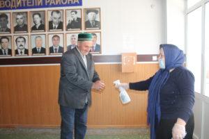 Во всех органах государственной власти Гергебильского района усилены меры по предотвращению завоза и распространением коронавирусной инфекции.