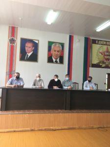 Глава  Гергебильского района встретился с медицинском персоналом Кикунинской участковой больницы.