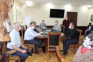 Аппарат администрации Унцукульского района присоединился к акции #МыВместе