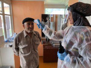 Заслуженный работник здравоохранения Республики Дагестан проголосовала за поправки в Конституцию на участке в Гергебильском районе