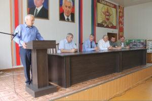 Необходимость обеспечить явку на голосовании по поправкам обсудили на совещании в Гергебильском районе