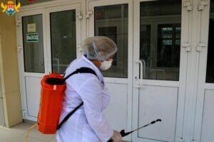 В школах и детсадах столицы перед 1 сентября проводят генеральную уборку и дезинфекцию