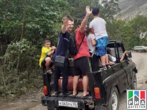 Дети медицинских работников республики посетили Сулакский каньон