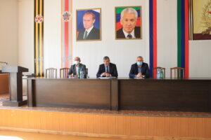 Глава Гергебильского  района подал в отставку