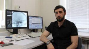 Впервые в Дагестане хирурги РКБ опробовали новый метод лечения опухоли головного мозга
