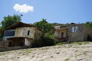 Правительство Дагестана окажет поддержку жителям домов, пострадавших из-за обильных осадков в Хунзахском районе