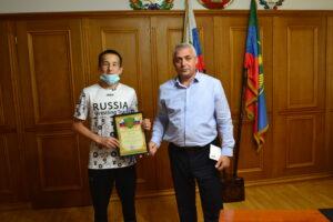 Магомедали Тагиров встретился с победителем первенства России по вольной борьбе среди юниоров Рамазаном Багавудиновым
