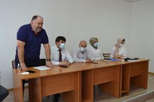 Выездная бригада медиков провела вакцинацию в селе Курми Гергебильского района