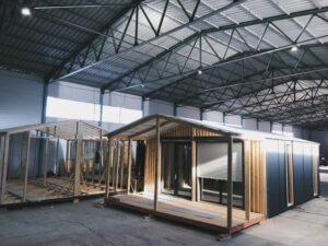 В Буйнакском районе производят модульные дома для туристов